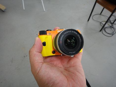 ペンタックスQ7オレンジ